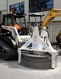 Manhole cutter